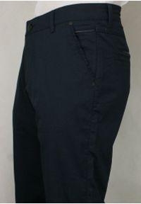 Niebieskie spodnie Tomy Walker klasyczne