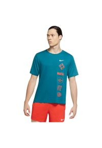 Koszulka do biegania męska Nike Miler Wild Run CU6038. Materiał: poliester, włókno, materiał. Technologia: Dri-Fit (Nike). Sport: bieganie