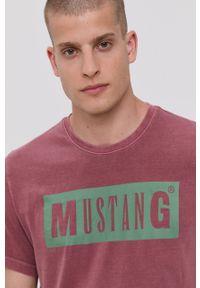 Mustang - T-shirt bawełniany. Okazja: na co dzień. Kolor: różowy. Materiał: bawełna. Wzór: nadruk. Styl: casual