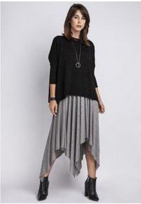 MKM - Gładki Sweter Oversize z Połyskującą Nitką - Czarny. Kolor: czarny. Materiał: akryl, wiskoza. Wzór: gładki