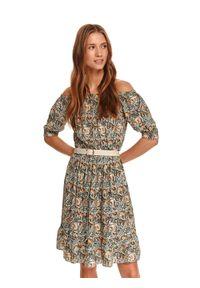 TOP SECRET - Sukienka w drobny nadruk z odkrytymi ramionami. Materiał: dzianina. Wzór: nadruk. Sezon: jesień, lato. Typ sukienki: z odkrytymi ramionami