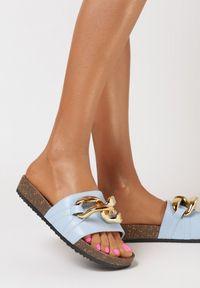 Born2be - Jasnoniebieskie Klapki Nixishia. Nosek buta: okrągły. Kolor: niebieski. Materiał: guma. Styl: klasyczny