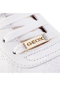 Białe buty sportowe Geox