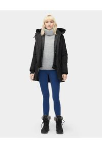 Ugg - UGG - Czarna parka z kamizelką ADIRONDACK. Kolor: czarny. Materiał: syntetyk, materiał, futro, puch, jeans. Długość: długie. Sezon: jesień, zima. Styl: klasyczny