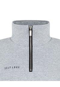 SELF LOVE - Szara bluza z suwakiem Aspen. Kolor: szary. Materiał: bawełna, dresówka. Wzór: nadruk, aplikacja