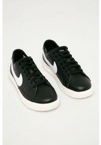 Czarne buty sportowe Nike Kids na sznurówki, z okrągłym noskiem