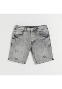 Reserved - Jeansowe szorty - Jasny szary. Kolor: szary. Materiał: jeans