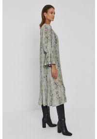 Beatrice B - Sukienka. Okazja: na co dzień. Kolor: zielony. Materiał: tkanina. Długość rękawa: długi rękaw. Typ sukienki: proste. Styl: casual