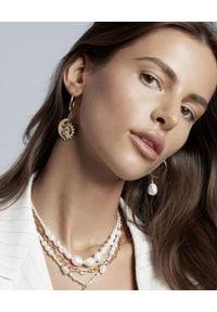SELFIE JEWELLERY - Asymetryczne kolczyki Invitation. Materiał: srebrne, z mosiądzu. Kolor: złoty