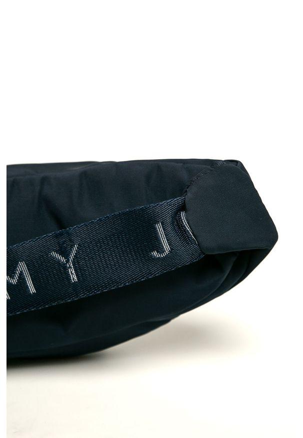 Niebieska nerka Tommy Jeans