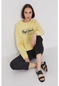 Pepe Jeans - Bluza BERE. Kolor: żółty. Materiał: dzianina. Długość rękawa: długi rękaw. Długość: długie. Wzór: nadruk