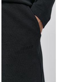 Vero Moda - Szorty. Kolor: czarny. Materiał: dzianina, bawełna, materiał. Wzór: gładki
