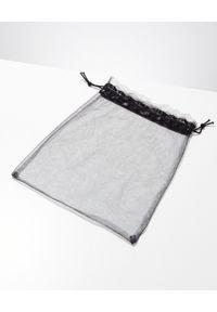 MYSTIQUE SHOES - Japonki z cyrkoniami Palmetto. Kolor: czarny. Wzór: paski, aplikacja
