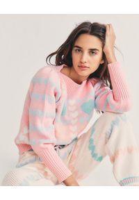 LOVE SHACK FANCY - Różowy sweter Gizela. Okazja: na co dzień. Kolor: fioletowy, różowy, wielokolorowy. Materiał: bawełna, materiał. Wzór: aplikacja, kolorowy. Styl: casual