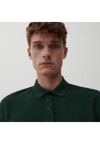 Reserved - Koszulka polo z dzianiny pique - Khaki. Typ kołnierza: polo. Kolor: brązowy. Materiał: dzianina