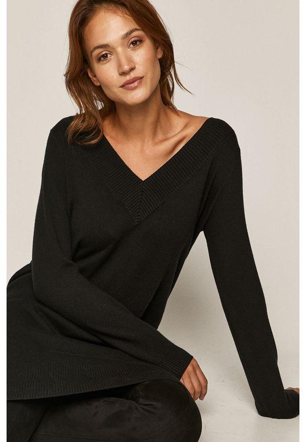 Czarny sweter medicine z długim rękawem, długi