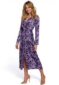 Makover - Wyjątkowa kopertowa sukienka midi w kwiaty. Okazja: na co dzień. Materiał: tkanina. Wzór: kwiaty. Typ sukienki: kopertowe. Styl: wizytowy, casual. Długość: midi
