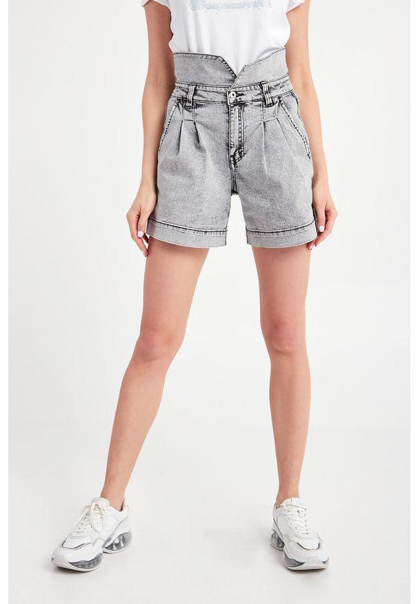 TwinSet - SPODENKI JEANSOWE TWINSET ACTITUDE. Stan: podwyższony. Materiał: jeans