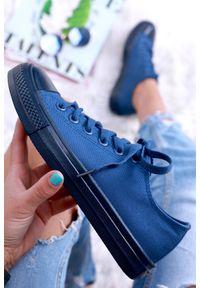 Niebieskie buty sportowe IVET na wiosnę, w kolorowe wzory