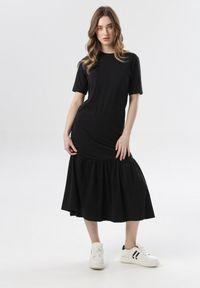 Born2be - Czarna Sukienka Nonarelia. Kolor: czarny. Materiał: dzianina. Długość rękawa: krótki rękaw. Typ sukienki: proste. Długość: midi