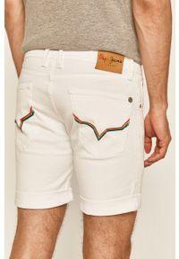 Białe szorty Pepe Jeans na co dzień, casualowe