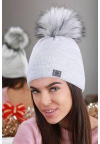 Szara czapka IVET elegancka