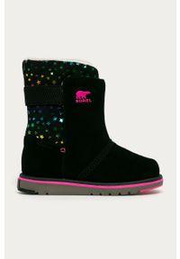Czarne buty zimowe sorel z okrągłym noskiem, na zimę