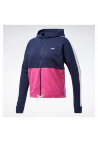 Bluza damska Reebok Training Essentials Logo FU2205. Materiał: bawełna, poliester. Wzór: napisy. Sport: fitness