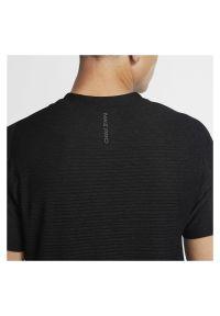 Koszulka treningowa męska Nike Pro CU4989. Materiał: poliester, włókno, skóra, materiał, bawełna. Długość rękawa: raglanowy rękaw. Technologia: Dri-Fit (Nike). Sport: fitness