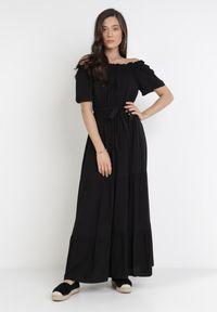 Born2be - Czarna Sukienka Kissorise. Kolor: czarny. Materiał: materiał. Długość rękawa: krótki rękaw. Sezon: lato, wiosna. Długość: midi