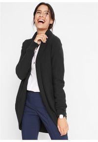 Długi sweter bez zapięcia, z dzianiny o splocie drobnych oczek, z guzikami bonprix czarny. Kolor: czarny. Materiał: dzianina. Długość: długie. Wzór: ze splotem