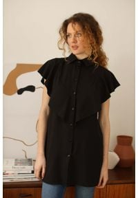 Czarna koszula Nommo długa, z falbankami
