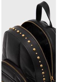 Pinko - Plecak skórzany. Kolor: czarny. Materiał: skóra. Wzór: aplikacja