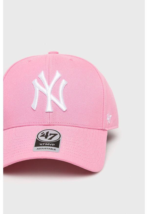 Różowa czapka z daszkiem 47 Brand