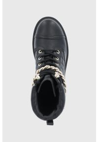 Guess - Workery. Nosek buta: okrągły. Zapięcie: sznurówki. Kolor: czarny