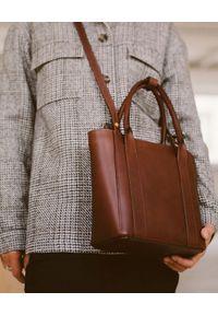 BALAGAN - Brązowa torebka Mini Sal Tote. Kolor: brązowy. Styl: elegancki, casual
