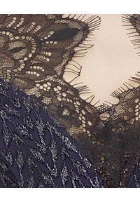 SELF PORTRAIT - Granatowa sukienka z koronką. Okazja: na wesele, na ślub cywilny, na imprezę. Kolor: czarny. Materiał: koronka. Długość rękawa: długi rękaw. Wzór: koronka. Styl: wizytowy, elegancki. Długość: mini