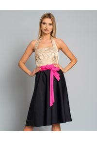 Szara sukienka VALENTINO z dekoltem karo, w kwiaty