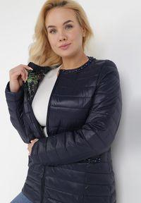 Born2be - Granatowa Kurtka Ashypise. Kolekcja: plus size. Kolor: niebieski. Materiał: tkanina, jeans. Wzór: kwiaty