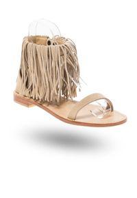 Twinset Milano - Beżowe zamszowe sandały z frędzlami. Kolor: beżowy. Materiał: zamsz. Sezon: lato