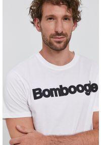 Bomboogie - T-shirt. Okazja: na co dzień. Kolor: biały. Materiał: dzianina. Styl: casual