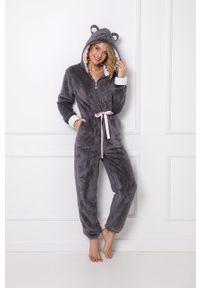 Aruelle - Kombinezon piżamowy Fiona. Kolor: szary. Długość: długie