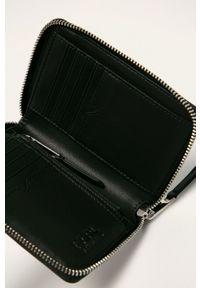 Karl Lagerfeld - Portfel skórzany. Kolor: czarny. Materiał: skóra