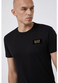 EA7 Emporio Armani - T-shirt bawełniany. Okazja: na co dzień. Kolor: czarny. Materiał: bawełna. Wzór: aplikacja. Styl: casual