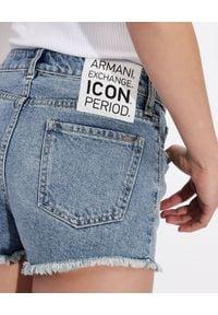 Armani Exchange - ARMANI EXCHANGE - Jeansowe spodenki. Kolor: niebieski. Materiał: jeans. Wzór: nadruk. Styl: wakacyjny