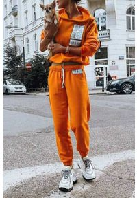 Pomarańczowy komplet sportowy IVET