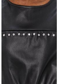 Noisy may - Noisy May - Sukienka. Kolor: czarny. Materiał: skóra. Długość rękawa: krótki rękaw. Typ sukienki: rozkloszowane