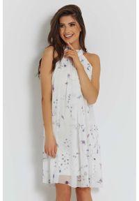 Biała sukienka wizytowa IVON ze stójką, w kwiaty