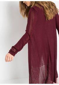 Długi sweter bez zapięcia z przyjaznej dla środowiska wiskozy w ażurowy wzór bonprix czerwony rubinowy. Kolor: czerwony. Materiał: wiskoza. Długość: długie. Wzór: ażurowy