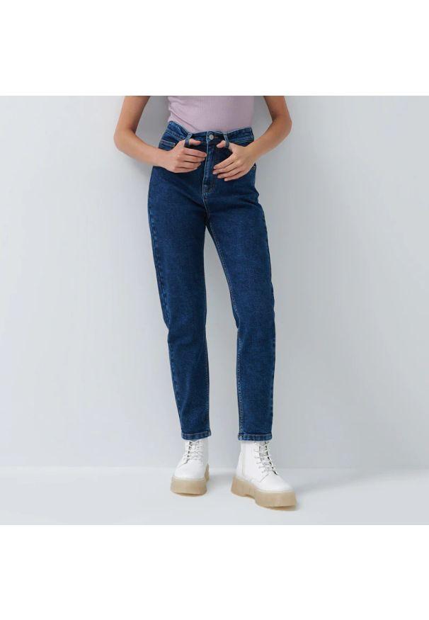 House - Slim mom jeans - Granatowy. Kolor: niebieski
